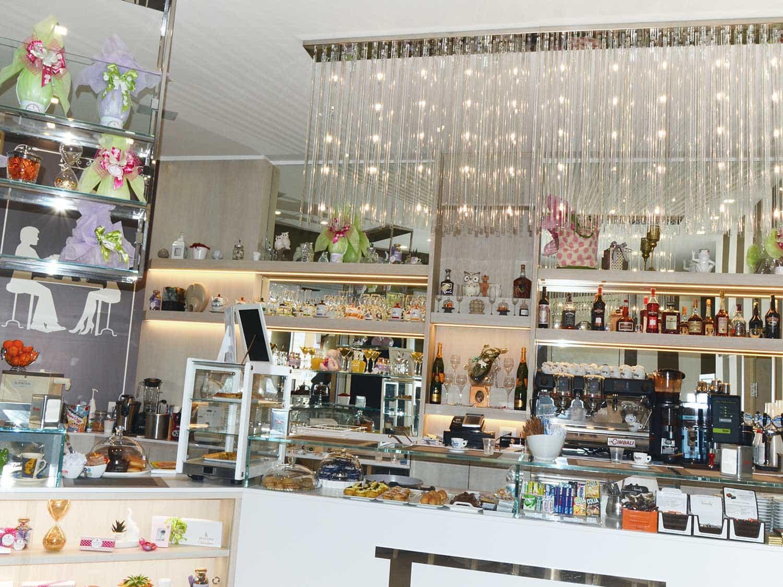 """Bar, Gelateria """"Il Portico"""""""